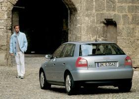 Прикрепленное изображение: Audi-A3_5-door_2000_4.jpg