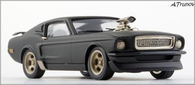Прикрепленное изображение: 1967 Ford Mustang Armageddon on wheels - Brooklin Models - ROD.10 - 4_small.jpg