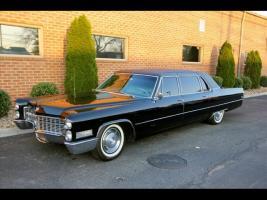 Прикрепленное изображение: Cadillac Fleetwood 75 limo.jpg