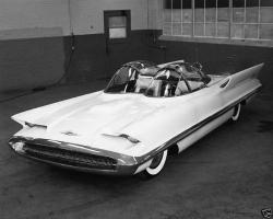 Прикрепленное изображение: 1955 Lincoln Futura.JPG