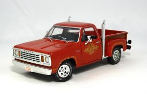 Прикрепленное изображение: 1978 Dodge Lil Red Express (1).JPG