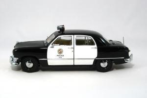 Прикрепленное изображение: 1950 Ford Police Car (2).JPG