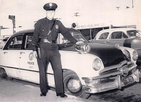 Прикрепленное изображение: 1950 Ford Police Car(23).jpg