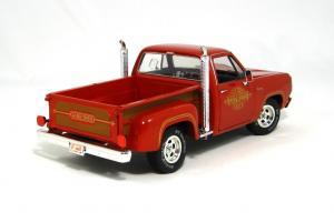Прикрепленное изображение: 1978 Dodge Lil Red Express (3).JPG