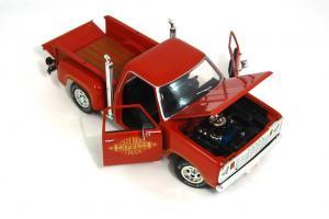 Прикрепленное изображение: 1978 Dodge Lil Red Express (6).JPG