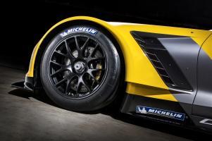 Прикрепленное изображение: 2014-chevrolet-corvette-c7-r-07.jpg