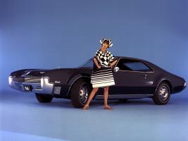 Прикрепленное изображение: 1966_Oldsmobile_Toronado_03.jpg