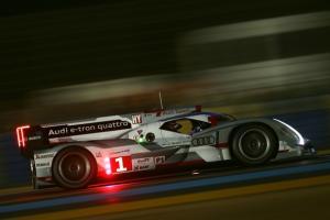Прикрепленное изображение: Audi-R18-e-tron-quattro-C-Audi.jpg