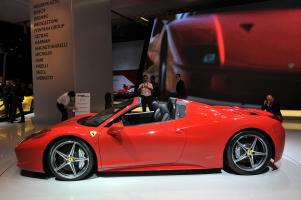 Прикрепленное изображение: 2011-Ferrari-458-Italia-Spider-10.jpg