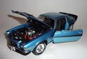 Прикрепленное изображение: Chevrolet Camaro Z28 454 Baldwin motion 1971 Ascot blue - Ertl (17).JPG