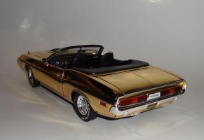 Прикрепленное изображение: Dodge Challenger 426 Hemi Convertible Gold (12).JPG
