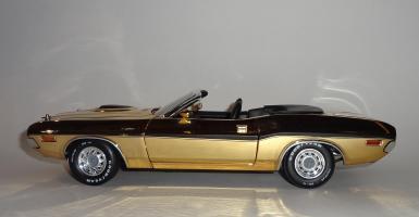 Прикрепленное изображение: Dodge Challenger 426 Hemi Convertible Gold (9).JPG
