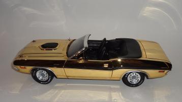Прикрепленное изображение: Dodge Challenger 426 Hemi Convertible Gold (10).JPG