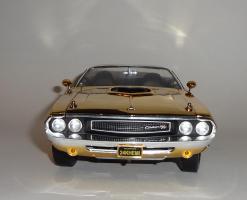 Прикрепленное изображение: Dodge Challenger 426 Hemi Convertible Gold (7).JPG