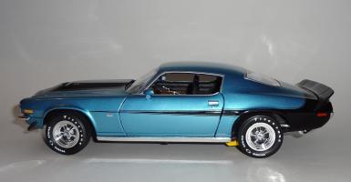 Прикрепленное изображение: Chevrolet Camaro Z28 454 Baldwin motion 1971 Ascot blue - Ertl (8).JPG