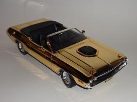Прикрепленное изображение: Dodge Challenger 426 Hemi Convertible Gold (6).JPG