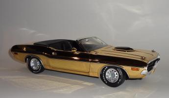 Прикрепленное изображение: Dodge Challenger 426 Hemi Convertible Gold (4).JPG