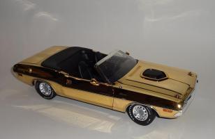 Прикрепленное изображение: Dodge Challenger 426 Hemi Convertible Gold (5).JPG