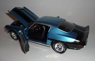 Прикрепленное изображение: Chevrolet Camaro Z28 454 Baldwin motion 1971 Ascot blue - Ertl (19).JPG