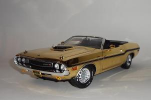 Прикрепленное изображение: Dodge Challenger 426 Hemi Convertible Gold.JPG