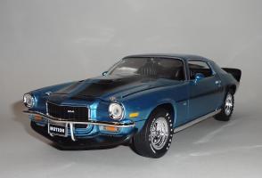 Прикрепленное изображение: Chevrolet Camaro Z28 454 Baldwin motion 1971 Ascot blue - Ertl (2).JPG