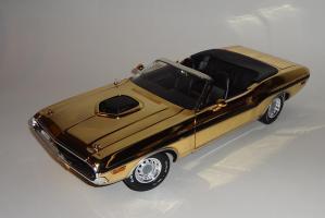 Прикрепленное изображение: Dodge Challenger 426 Hemi Convertible Gold (2).JPG