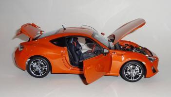 Прикрепленное изображение: GT86 Orange (21).JPG
