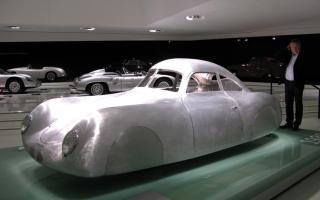 Прикрепленное изображение: museum1939_porsche_type_64.jpg