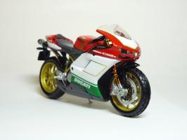 Прикрепленное изображение: Ducati 1098 S \'2007 (Maisto) 3.JPG