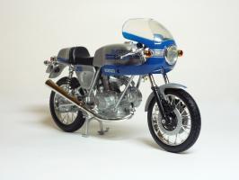 Прикрепленное изображение: Ducati 900 SS \'1977 (Solido) 3.JPG