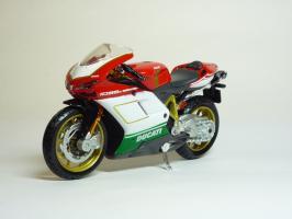 Прикрепленное изображение: Ducati 1098 S \'2007 (Maisto) 2.JPG