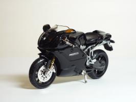 Прикрепленное изображение: Ducati 999 S \'2003 (Bburago) 2.JPG
