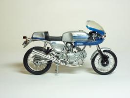 Прикрепленное изображение: Ducati 900 SS \'1977 (Solido) 4.JPG