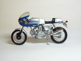 Прикрепленное изображение: Ducati 900 SS \'1977 (Solido) 1.JPG