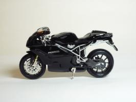 Прикрепленное изображение: Ducati 999 S \'2003 (Bburago) 1.JPG