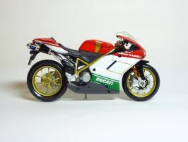 Прикрепленное изображение: Ducati 1098 S \'2007 (Maisto) 4.JPG