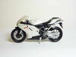 Прикрепленное изображение: Ducati 848 \'2008 (Maisto) 1.JPG