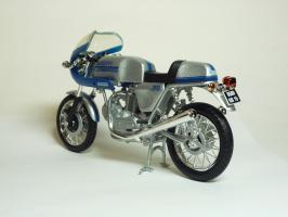 Прикрепленное изображение: Ducati 900 SS \'1977 (Solido) 6.JPG