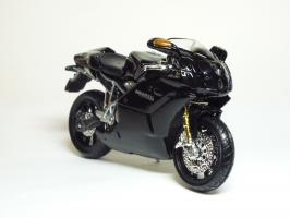 Прикрепленное изображение: Ducati 999 S \'2003 (Bburago) 3.JPG