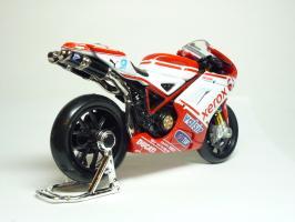 Прикрепленное изображение: Ducati 1198 #84 M. Fabrizio \'2010 (Maisto) 5.JPG