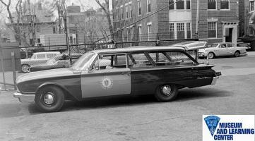 Прикрепленное изображение: 1960 Ford Ranch Wagon.jpg