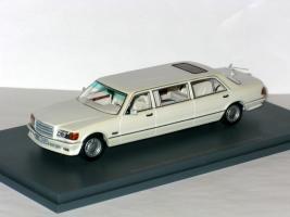 Прикрепленное изображение: Mercedes W126 Stretch Limousine 001.JPG