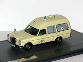 Прикрепленное изображение: Mercedes 8 W114 Binz Ambulance 1969 001.JPG