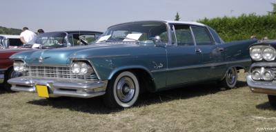 Прикрепленное изображение: 1957 Imperial Crown Southhampton.jpg