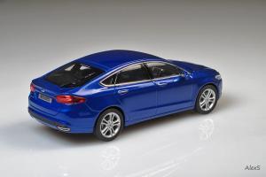 Прикрепленное изображение: Ford Mondeo 5 Serie Norev.jpg