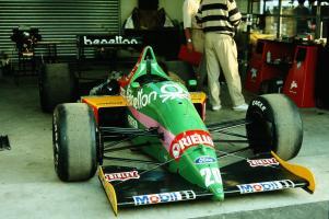 Прикрепленное изображение: 1987 Великобритания 1.jpg