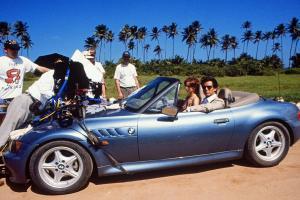 Прикрепленное изображение: BMW-Z3-James-Bond-007-Pierce-Brosnan-Goldeneye-1200x800-864ff17e2f91ccc8.jpg