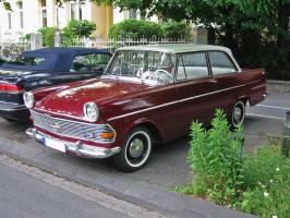 Прикрепленное изображение: Opel_rekord_p2_v_sst.JPG