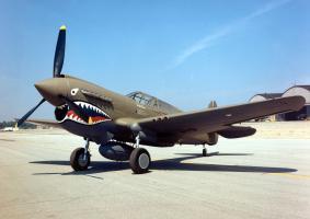 Прикрепленное изображение: Curtiss_P-40E_Warhawk_2_USAF.jpg
