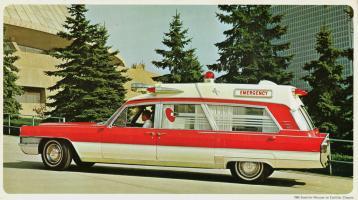 Прикрепленное изображение: 1965%20Superior-Cadillac%20Rescuer%20Ambulance.jpg